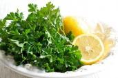 Cách giảm cân bằng rau mùi và chanh an toàn, hiệu quả