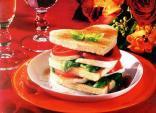 Tạo bất ngờ cho chàng bằng bữa sáng với món bánh sandwich Valentine