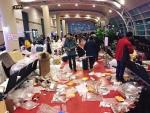 Phòng chờ của sân bay Jeju ngập túi nylon