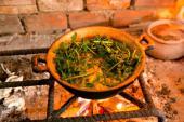 Cá kho rau dớn: Món ăn dân dã quê nhà