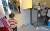 Lý do phụ huynh không nên cho trẻ cùng vào bệnh viện thăm người ốm