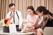 MC Thành Trung đưa vợ 9X đi thử váy cưới trước hôn lễ