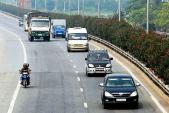 Điều khiển ô tô vượt mà không có tín hiệu báo trước bị phạt bao nhiêu tiền?
