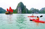 Dừng hoạt động chèo kayak trên vịnh Hạ Long từ 1-4