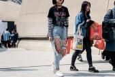 Quần rách, tất lưới phủ sóng Seoul Fashion Week 2017