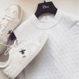 Khám phá loạt giày sneaker từ hàng hiệu đến bình dân của Ngọc Trinh