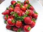 Vứt kem chống nắng đi, ăn mấy trái này tia Uv cũng chả dám đến gần