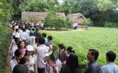 Du khách về thăm quê Bác, môt buổi sáng đón 500 đoàn khách