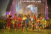 Lễ hội áo dài lần đầu tiên được tổ chức tại Festival nghề truyền thống