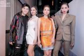 Xuất hiện tại The Voice, Thu Minh mặc váy hàng hiệu vẫn bị ví với