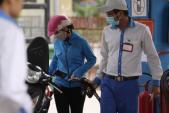 Từ 15h00 hôm nay (5/5), giá xăng dầu đồng loạt giảm