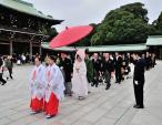 Đám cưới cầu kỳ theo nghi thức Thần đạo của Nhật Bản