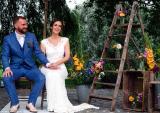 Kỳ nghỉ trăng mật dài bất tận của cặp đôi người Bỉ