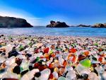 Bãi biển thủy tinh nổi tiếng thế giới có nguy cơ biến mất vĩnh viễn