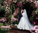 Miranda Kerr tung ảnh cưới đẹp như mơ với tỷ phú kém 7 tuổi