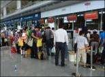 Bị cấm bay 9 tháng vì quấy rối 3 hành khách nữ