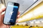 Tại sao phải tắt điện thoại khi máy bay cất cánh và hạ cánh?