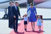 Điều đáng quý sau câu chuyện Hoàng tử, Công chúa nhỏ nước Anh mặc đồ giá rẻ và diện váy áo cũ