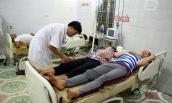10 người nhập viện vì ngộ độc ăn canh nấm