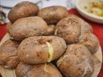 Luộc khoai tây nguyên vỏ rồi ăn liên tục 1 tuần, bụng ngấn mỡ cũng tự khắc thon gọn