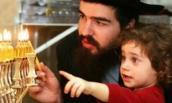 10 bí quyết dạy con thành tài và chuyện người mẹ Do Thái yêu cầu con mua lê xấu thay vì quả đẹp