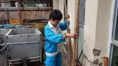 Tâm sự nghẹn đắng của người phụ nữ 24 năm gắn bó với nghề lao công nhọc nhằn