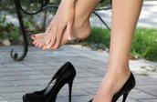 Bí quyết đi giày cao gót không đau chân, phồng rộp