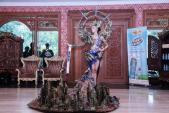 Trang phục dân tộc hoành tráng của Hoa hậu Hòa bình Indonesia