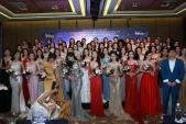 Khoảnh khắc vàng của Hoa hậu Hoàn vũ Phạm Hương và Mâu Thuỷ mà ít ai chứng kiến được