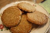 Sốc: giảm hơn 20kg chỉ nhờ nhai kẹo cao su và ăn bánh quy thay cơm