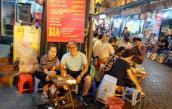 Khám phá gì ở phố cổ Hà Nội về đêm?