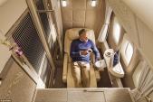 Bên trong khoang hạng nhất với không gian riêng cho hành khách