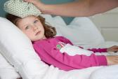 Hạ sốt cho trẻ: Điều gì cần tránh?
