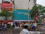 """Vừa lên kệ Việt Nam, iPhone X chính hãng đã """"cháy hàng"""""""