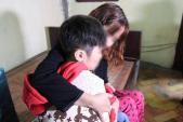 Sẵn sàng nhận bé trai 10 tuổi bị bố đẻ và mẹ kế bạo hành vào học