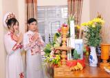 Dời HHHV Việt Nam 2017, Chúng Huyền Thanh lặng lẽ tổ chức lễ hỏi cùng vị hôn phu soái ca