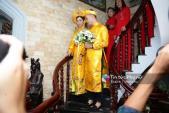 Cô dâu Lâm Khánh Chi đeo đến 6 chiếc vòng cổ bằng vàng trong ngày cưới