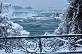 Chiêm ngưỡng cảnh tượng ngoạn mục khi thác Niagara đóng băng