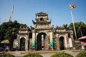 Thăm chùa Chuông -