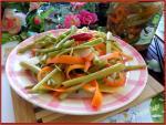 Cách làm rau muống ngâm chua ngọt chống ngán ngày Tết