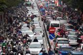 Đổ xô sắm Tết, tuyến phố thời trang Hà Nội tê liệt