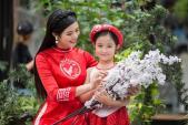 """Sao Việt và phong trào """"Tết này ta mặc áo dài"""""""