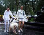 Đào Hà, Thuỷ Tiên catwalk cùng cún cưng trên phố đi bộ