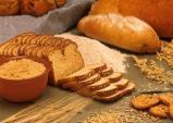 Bí quyết giúp trắng răng nhanh khó tin chỉ với 1 ổ bánh mì