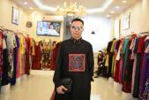 NTK Việt mang áo dài quốc kì đến Cannes