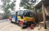 Xe buýt lấn làn khiến 2 người tử vong tại chỗ