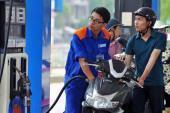 Lý do giá xăng dầu bất ngờ tăng mạnh cuối tuần
