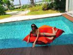 Hoa hậu Phạm Hương đẹp bốc lửa với bikini tại Indonesia