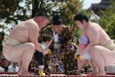 Độc đáo lễ hội Sumo dọa trẻ em có lịch sử hơn 400 năm ở Nhật Bản