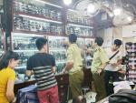 Phát hiện nhiều hàng thương hiệu không rõ nguồn gốc tại chợ Bến Thành